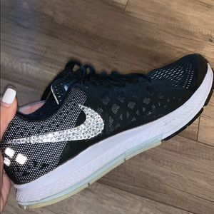 Black Nike Tennis Shoes with sparkle logo